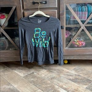 """""""Be wild"""" workout shirt .old navy"""